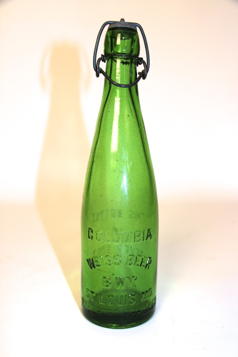 Columbia Brewing Co, Weiss Beer Green Teepee Bottle, St. Louis, MO